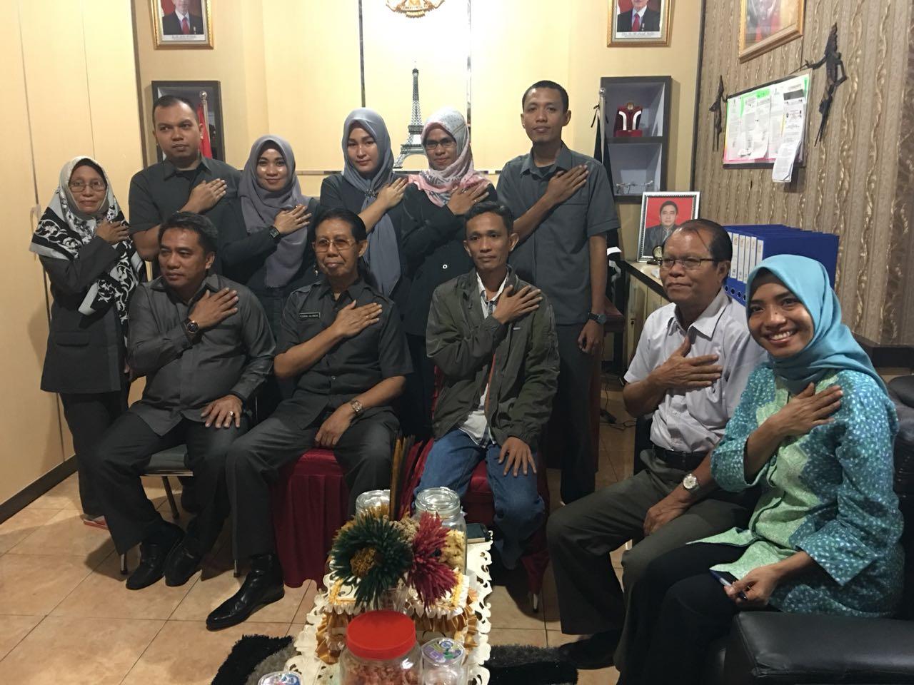 Keterangan: Pertemuan Komisioner KPU Provinsi Sultra dengan Anggota DPD RI, Drs. H. Yusran A. Silondae, M.Si (25/06/18) di Kantor KPU Provinsi.