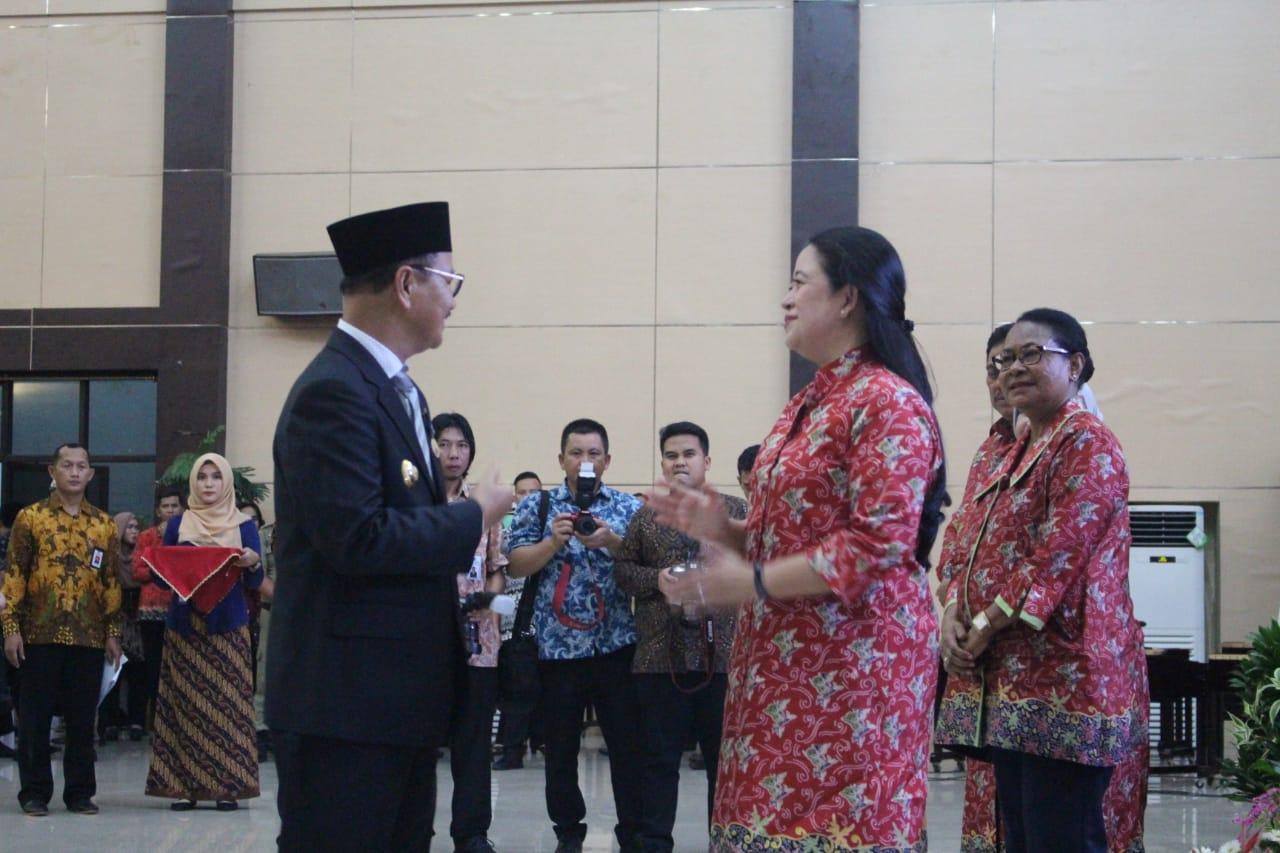 Harganas Ke-XXV di Manado, Bupati Konsel Raih Penghargaan tertinggi se-Sultra