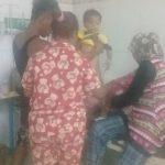 Ketgam. : Nur Fajar, bocah asal Lombe dirawat di RSU Raha. Foto : Borju