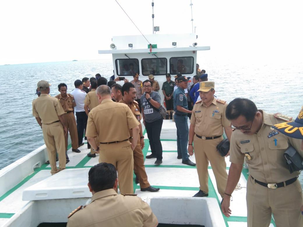 Bupati Bombana serahkan Bantuan Kapal