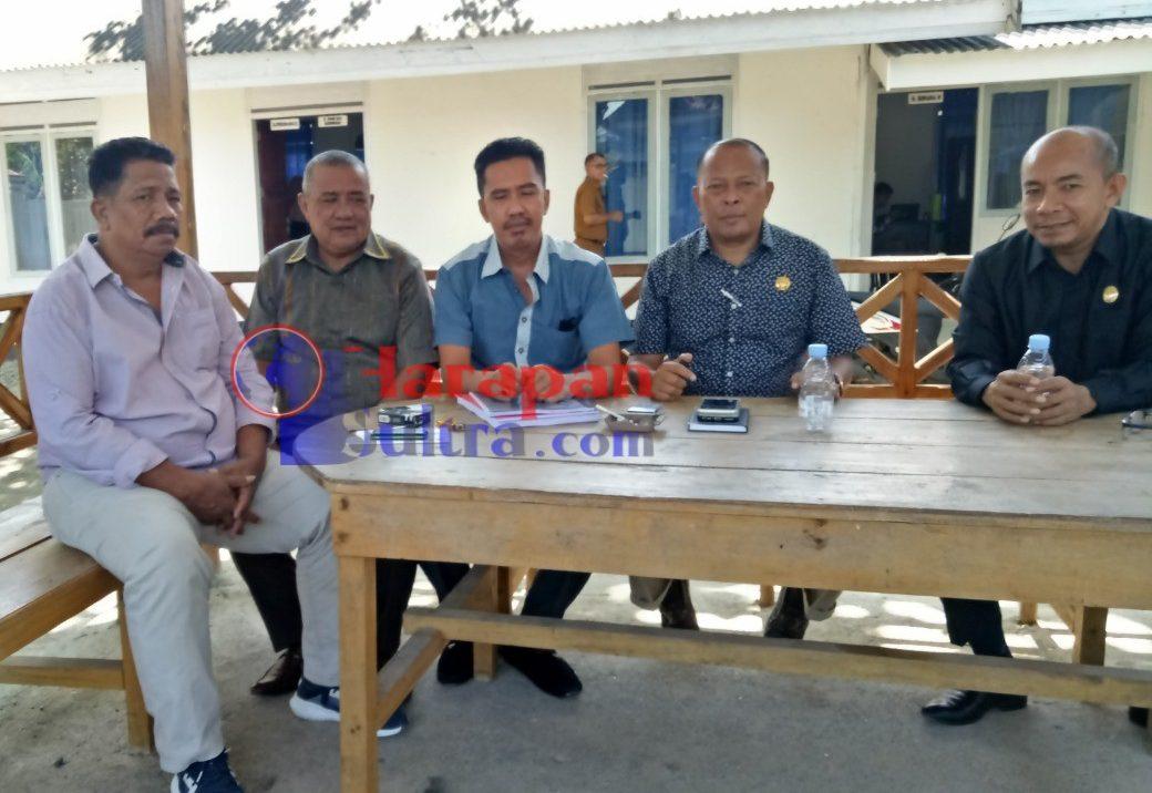 Foto bersama Tim P3MD saat diskusi dengan pimpinan dan anggota DPRD Busel