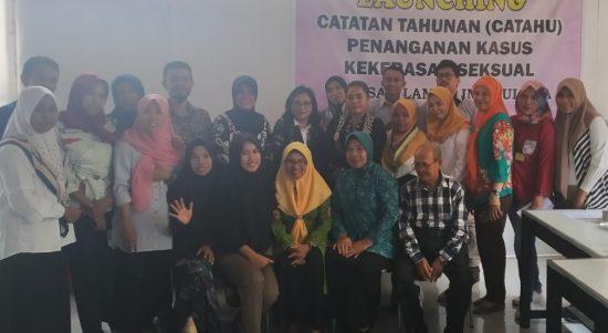 Yayasan Lambu Ina Kabupaten Muna, saat melaunching Catatan Tahunan (Catahu) penanganan kasus kekerasan seksual terhadap perempuan dan anak