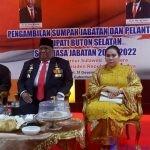 Wakil Gubernur Sultra, Lukma Abunawas (kiri), Gubernur Sultra, Ali Mazi, SH (tengah) dan Istri Gubernur Sultra, Agista Ariyani (kanan)