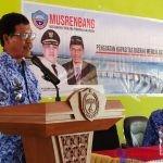 Camat Batauga, Laode Syarifuddin saat membuka acara musrembang