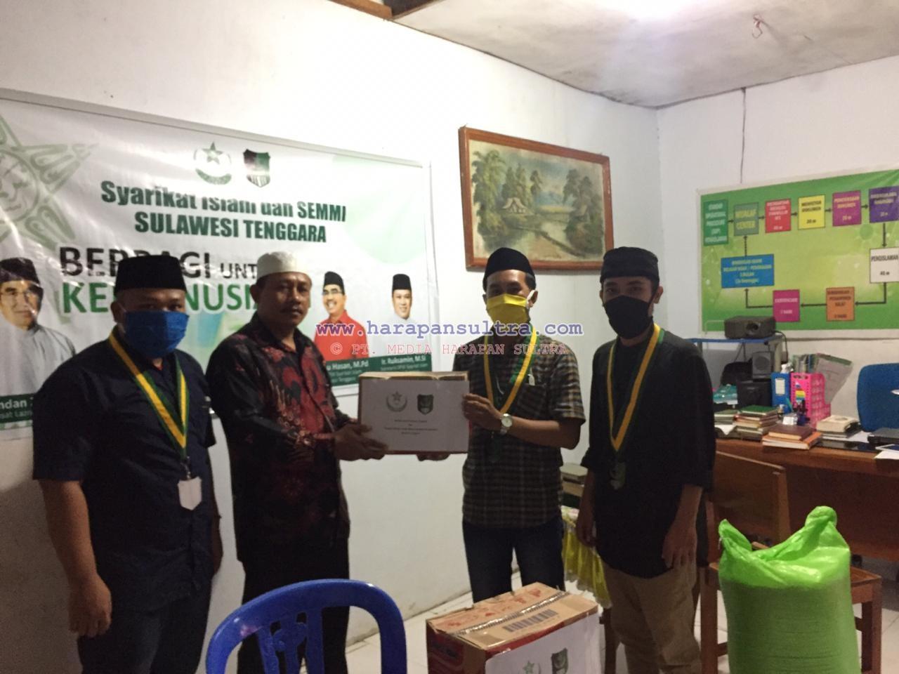 Pengurus Semmi dan SI Sultra saat berbagi ke Muallaf Centre