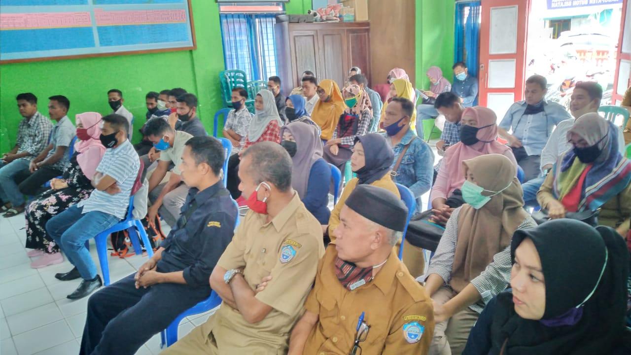 Suasana Pelatihan Bagi Operator pada Aplikasi Sistim Informasi Keluarga Sejahtera-Next Generation (SIKS–NG)