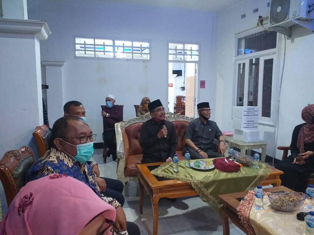 Ketgam : Wagub Sultra Lukman Abunawas (Paling Kanan) didampingi Bupati Butur Abu Hasan saat Tatap Muka bersama Pimpinan OPD se Buton Utara