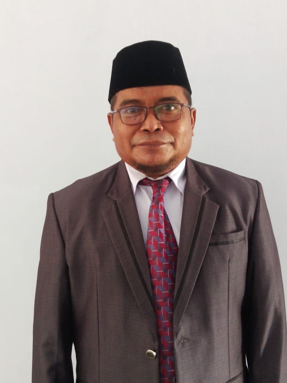 Drs. La Maiminu, Kadis Kesbangpol Busel