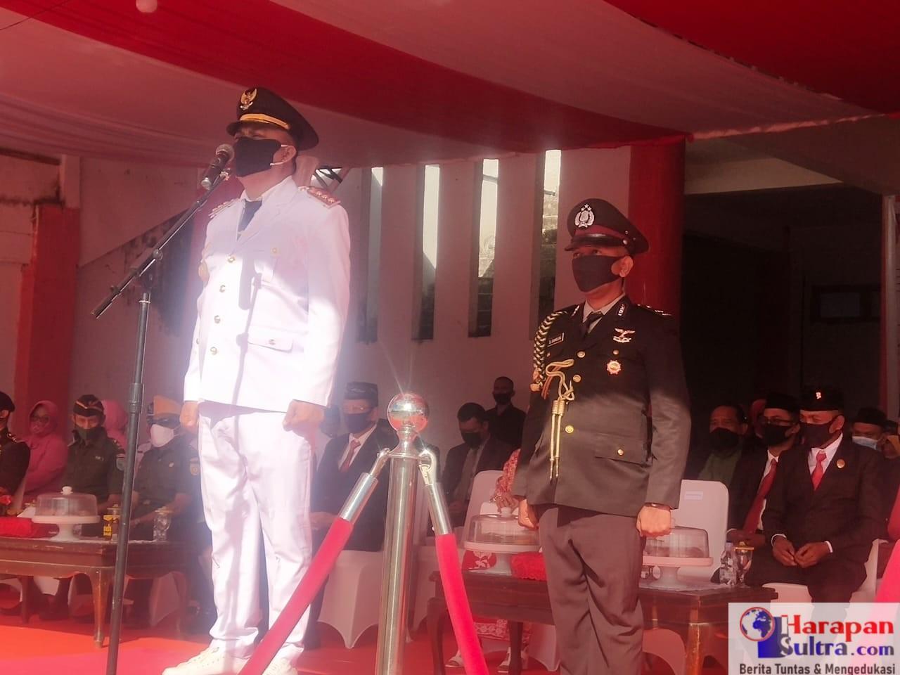 Bupati Arusani saat bertindak sebagai Inspektur Upacara HUT RI ke 75 Tahun di Busel
