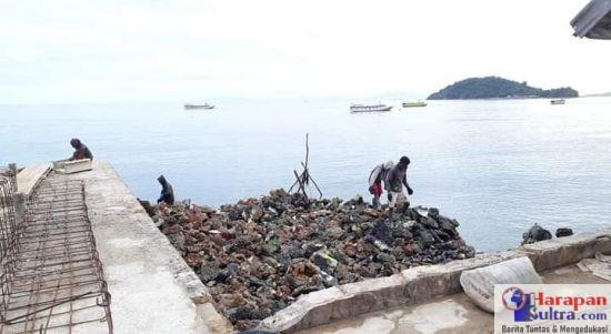 Pembangunan Dermaga diduga Kuat Gunakan Batu Karang