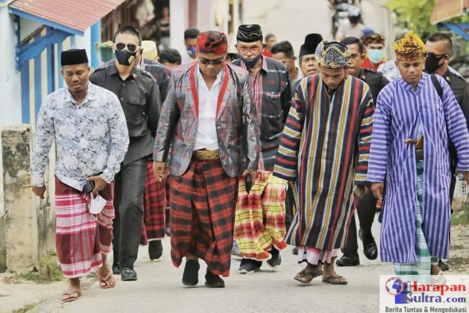 Bupati Buton Selatan, H. Laode Arusani Hadiri Pesta Adat Ma'cia dan Tauno Ganda Lapandewa Tambunaloko
