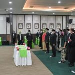 Menteri Desa, Pembangunan Daerah Tertinggal dan Transmigrasi Abdul Halim Iskandar saat melantikan ratusan pejabat