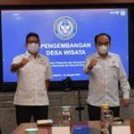 Wamendes PDTT, Budi Arie Setiadi (kanan) dan Menparekraf, Sandiaga Uno [foto : Istimewa]