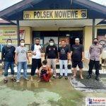 Tim Trisula Satya Haprabu Polsek Lantari Jaya saat menunjukkan kedua pelaku pencurian