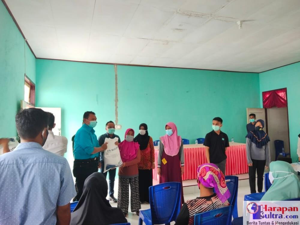 Pemkab Busel Salurkan Bantuan di Desa Gaya Baru