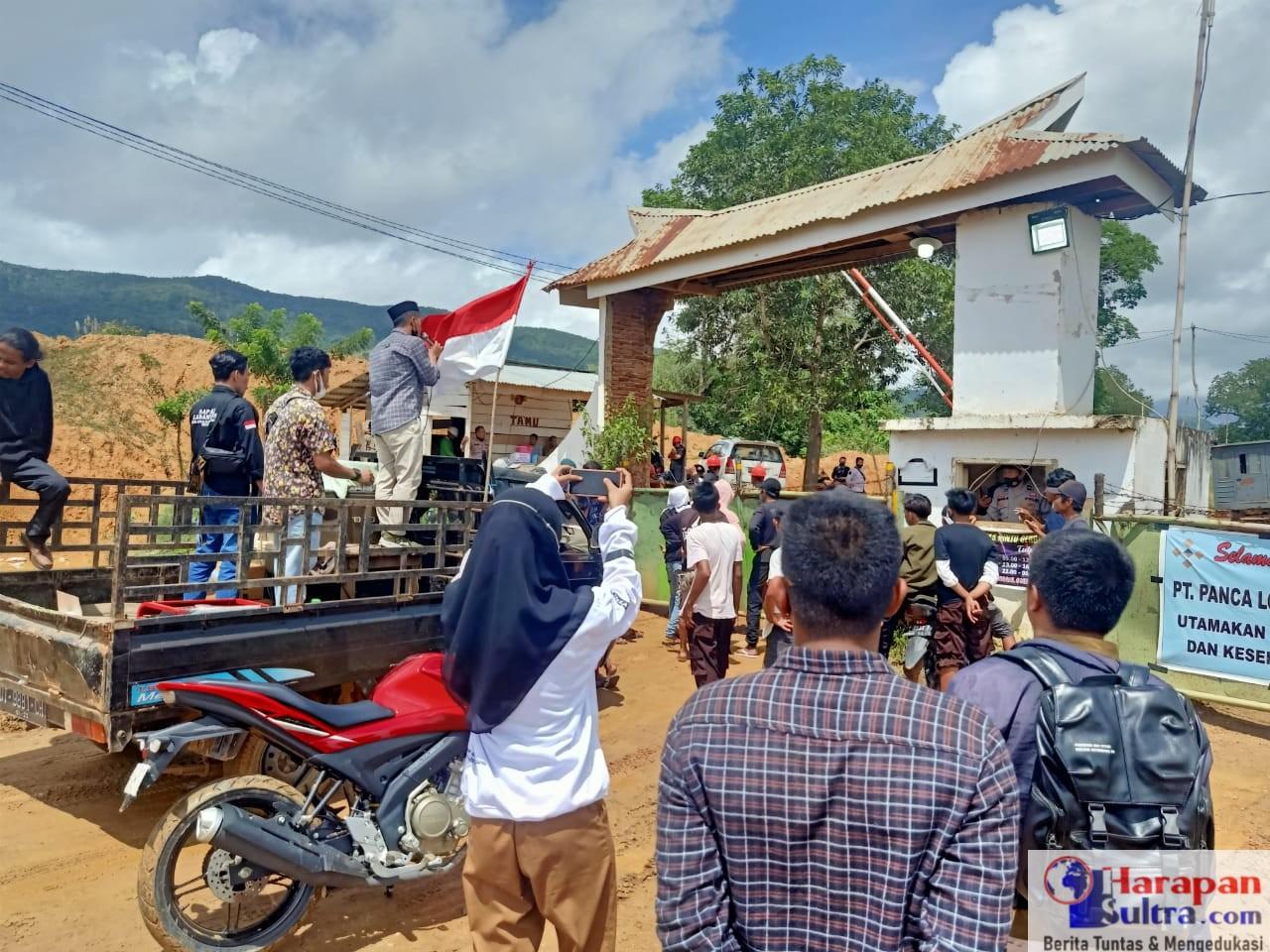 Aksi Demonstrasi Himppewa di Depan Gerbang PT. PLM