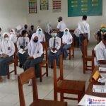 Pelaksanaan Vaksinasi Covid-19 di SMA 12 Bombana