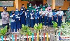 Foto Bersama Pelajar usai Pelaksanaan Vaksinasi